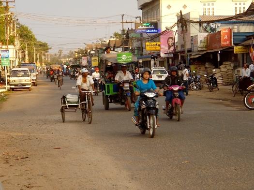 Traffic madness in Bago